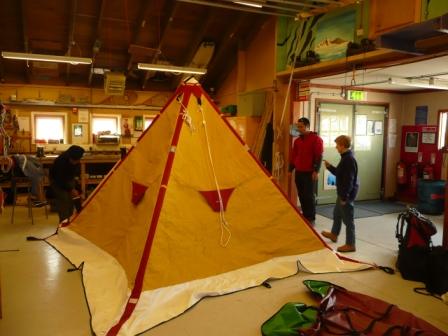 Prove di montaggio delle tende